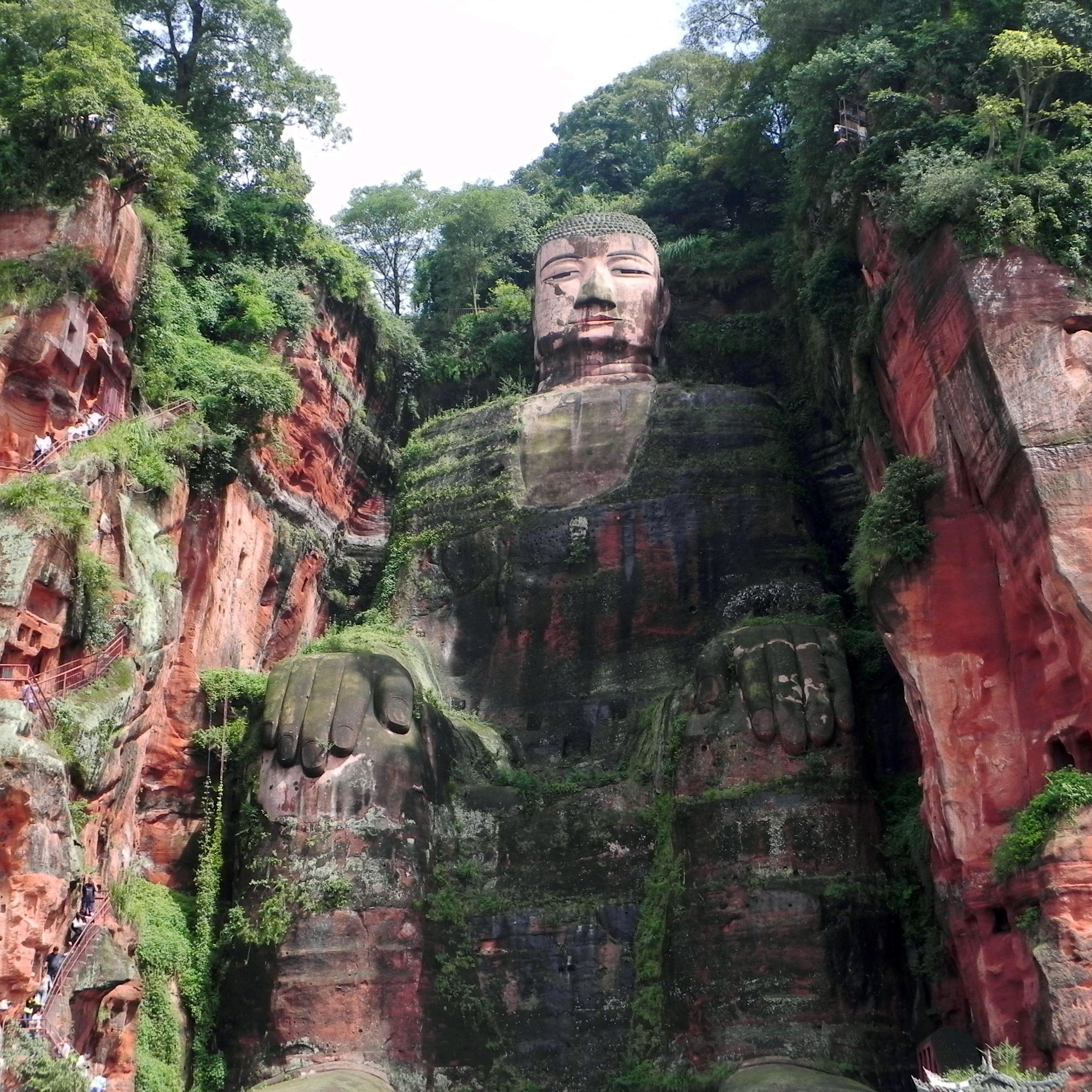 Statue koje oduzimaju dah Leshangiantbuddha010