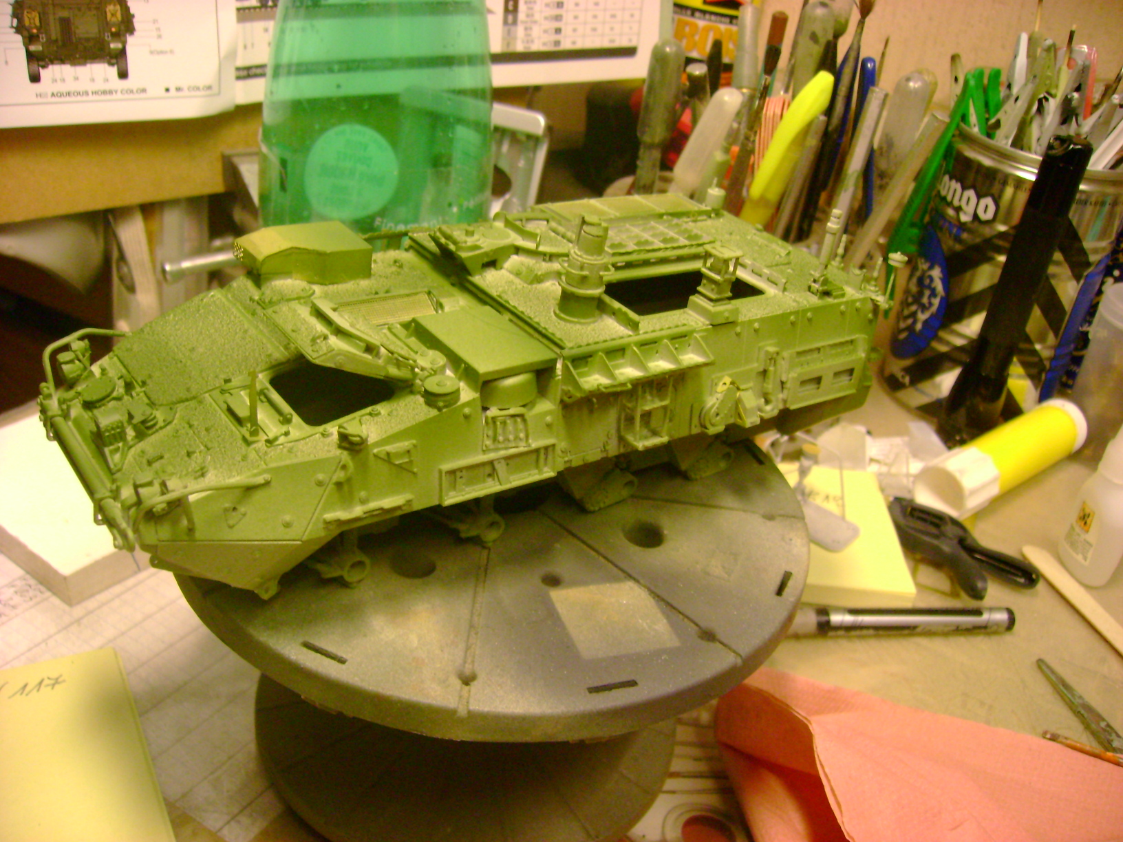 M1135 Stryker NBC RV 1/35 Trumpeter....Terminer Up du 29/10... - Page 3 10547198