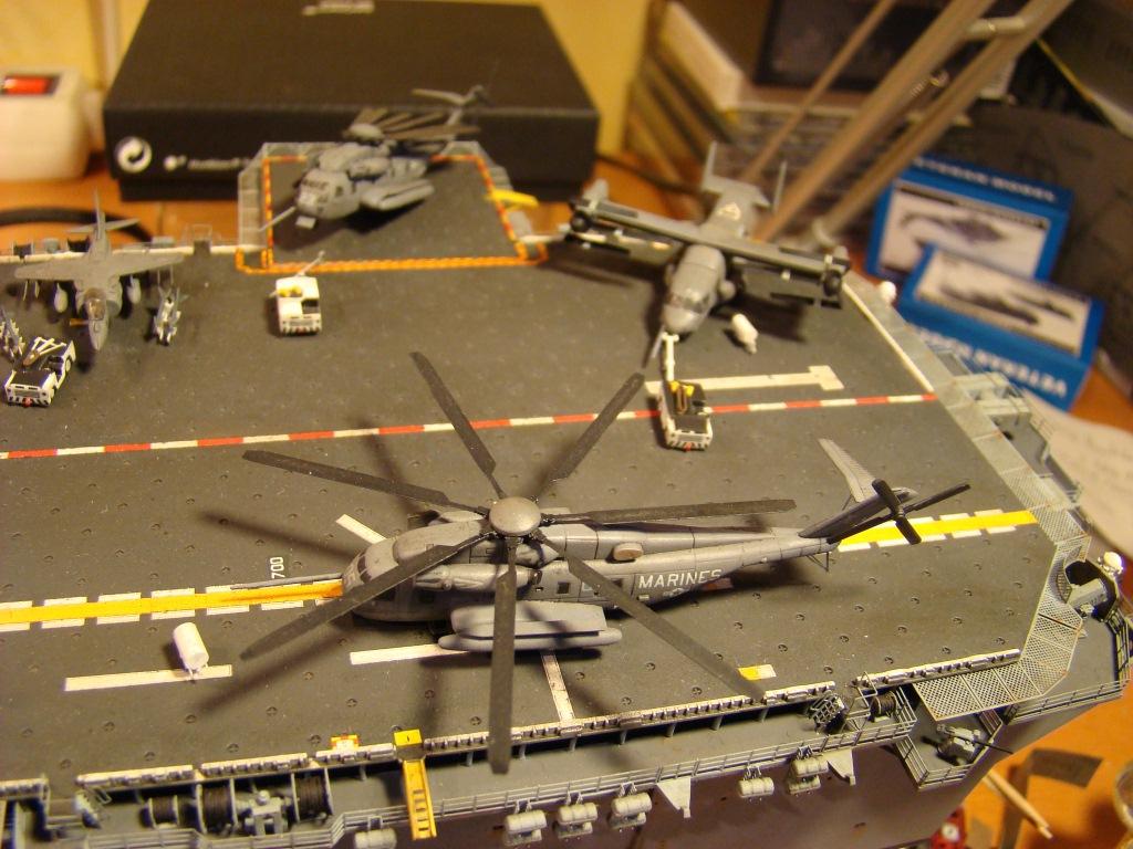 USS WASP LHD-1 au 1/350ème par nova73 - Page 7 Dsc09122b