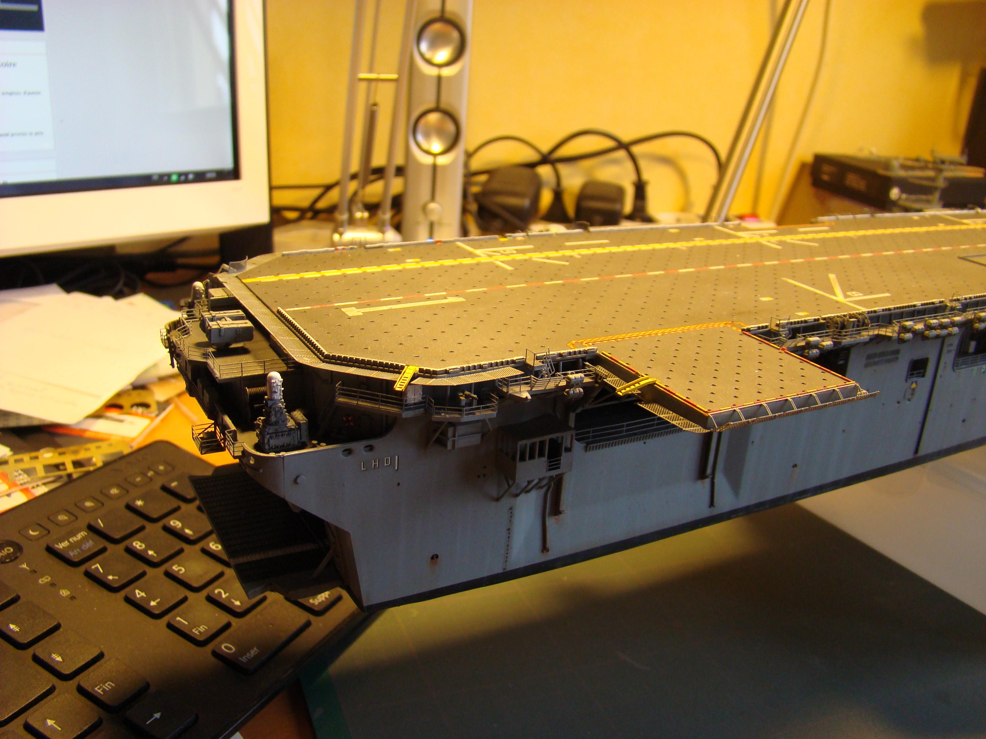 USS WASP LHD-1 au 1/350ème par nova73 - Page 7 Dsc09101k