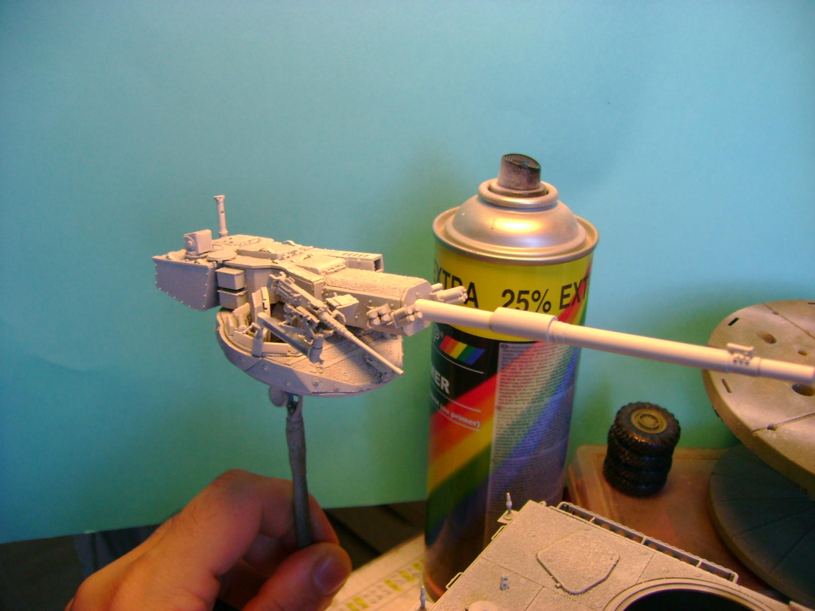 Stryker M1128 MGS ( Montage en cours ) Thunderbird Dsc00590il