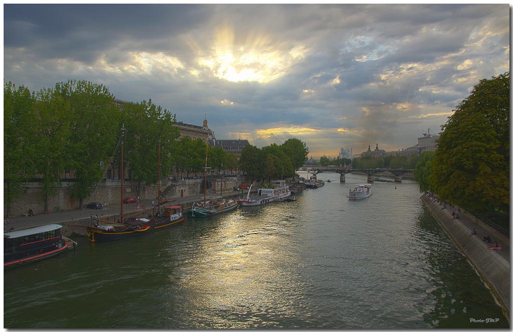 A Paris au mois d'août.  - Page 10 Jp11577hdr1024