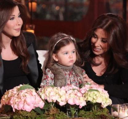 صور الفنانة الرائعة نانسى عجرم مع ابنتها الثانية جديد 97379953