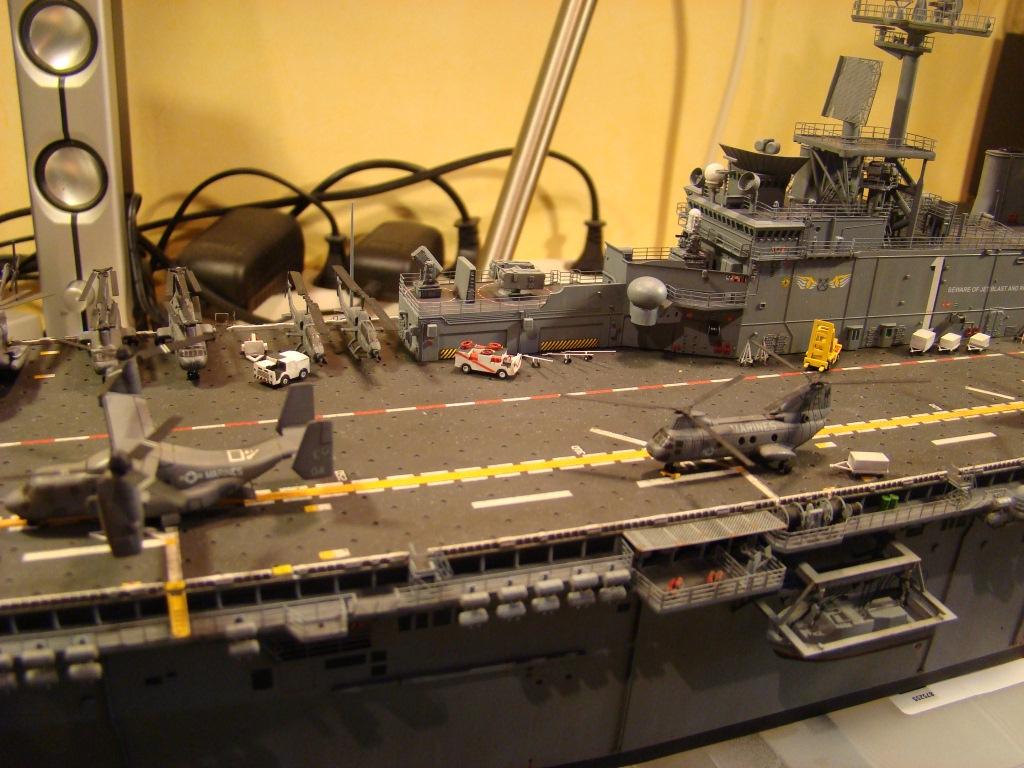 USS WASP LHD-1 au 1/350ème par nova73 - Page 7 Dsc09118i