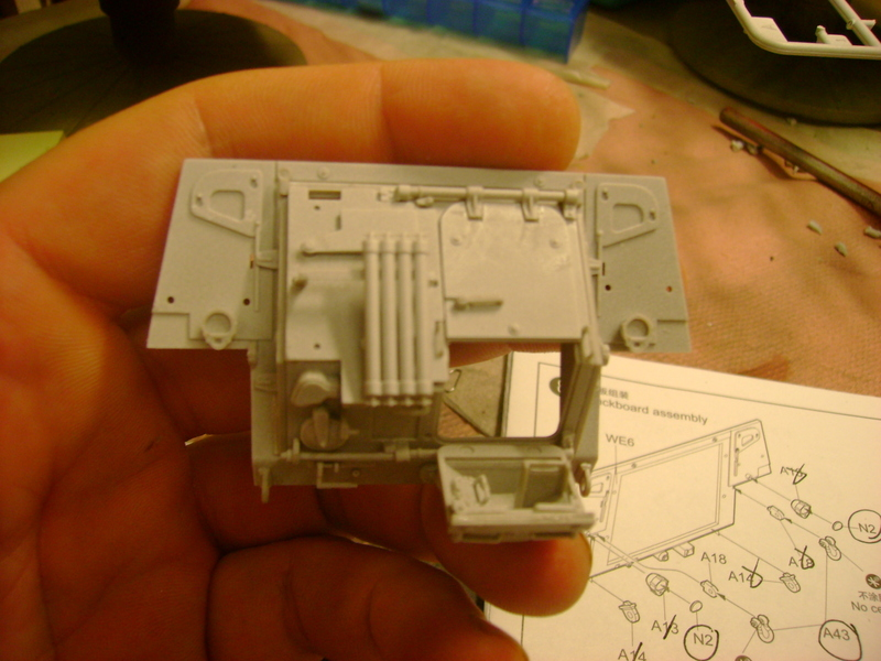 M1135 Stryker NBC RV 1/35 Trumpeter.... Terminé.... - Page 2 92720771