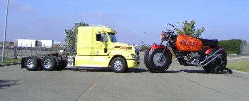دراجة نارية عملاقة توازي بحجمها حجم الشاحنات Bike1t