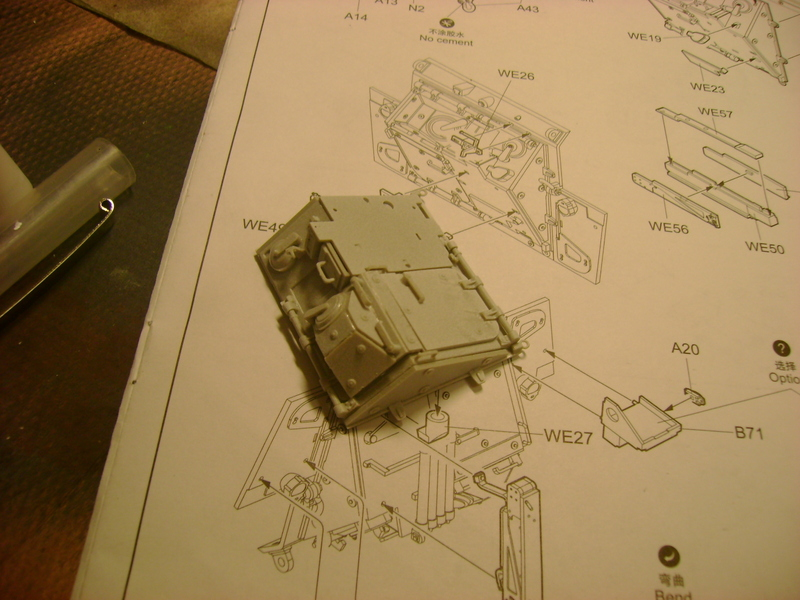 M1135 Stryker NBC RV 1/35 Trumpeter.... Terminé.... - Page 2 32722266