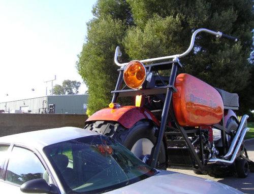 دراجة نارية عملاقة توازي بحجمها حجم الشاحنات Bike2