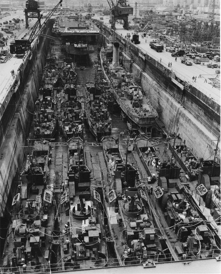 Port Artificiel MULBERRY au 1/350 - Page 3 1eni