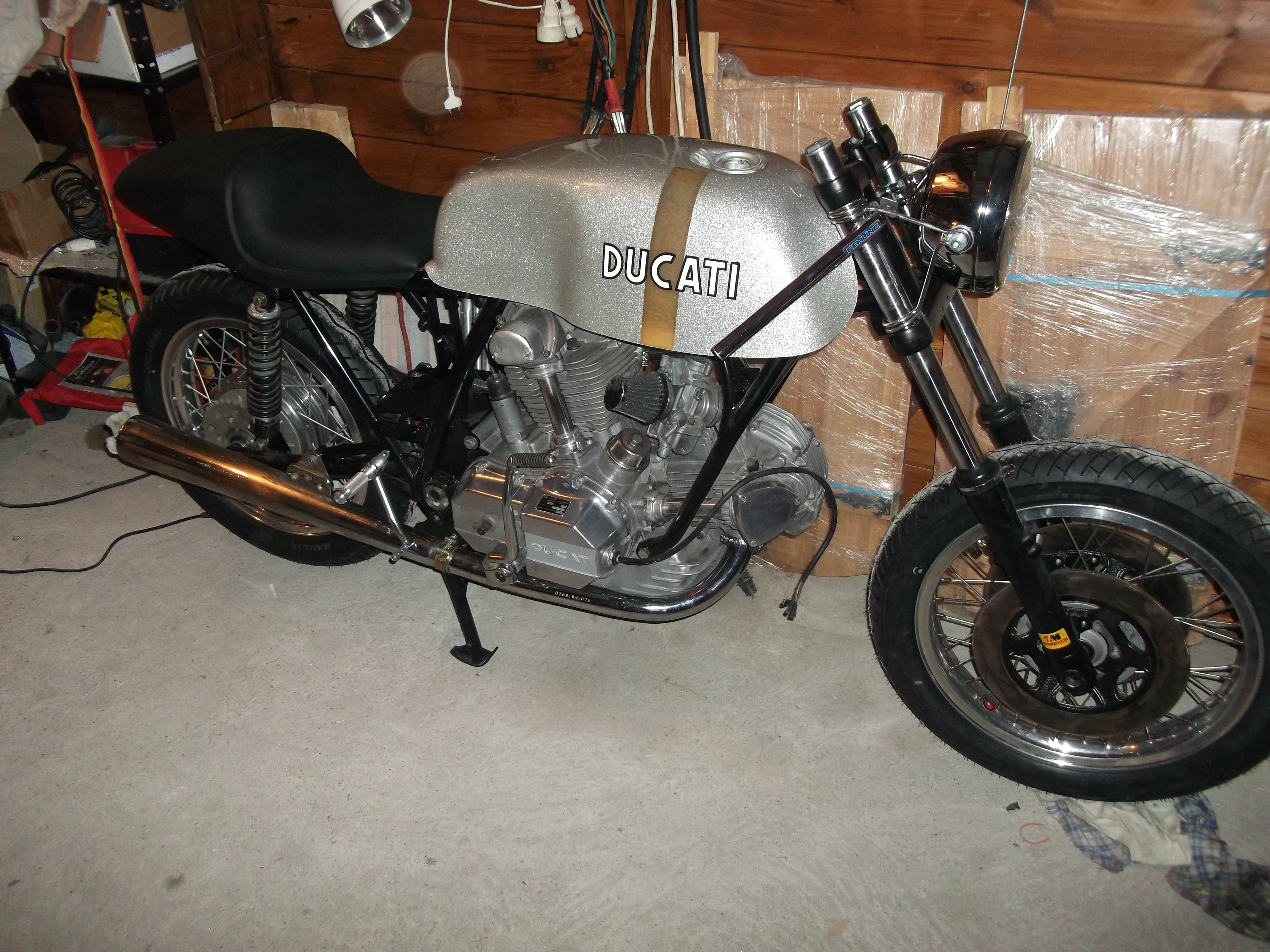 ducati 860 GT - Page 16 Ducati860029