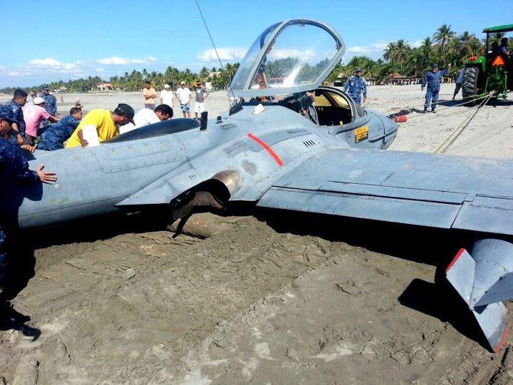 Forces armees du Salvador/Armed Forces of El Salvador 29369354804561523578216