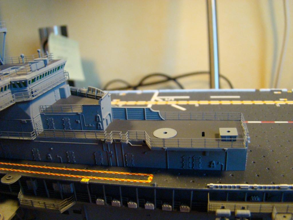 USS WASP LHD-1 au 1/350ème par nova73 - Page 6 Dsc09063iy