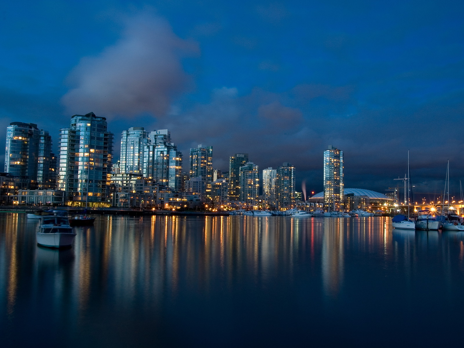 Amazing Cityscape Wallpapers 08vancouverdusk1600x120