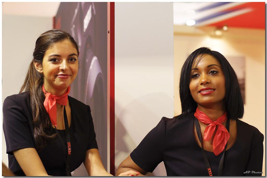 Rencontre du salon de la photo 2010 - Page 47 N14hotessespentaxap0014