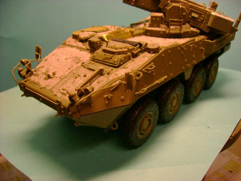 Stryker M1128 MGS ( Montage en cours ) Thunderbird Dsc00580z