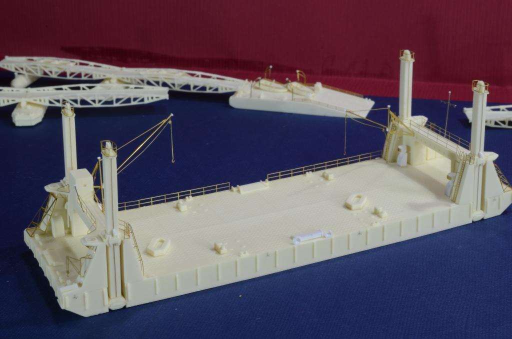 Port Artificiel MULBERRY au 1/350 - Page 4 P2tb