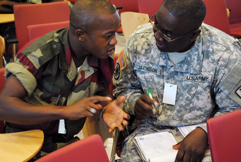 Armée du Gabon - Page 2 68154436203c95c7a7c5b
