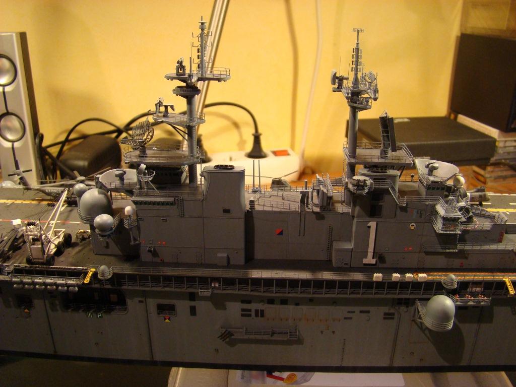 USS WASP LHD-1 au 1/350ème par nova73 - Page 7 Dsc09124y
