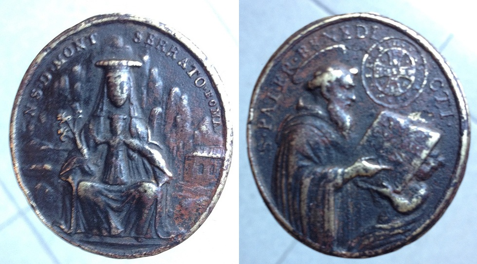 Medalla S PATER BENEDICTI y NSD MONTSERRAT ROMA Montserratbenitocymbart