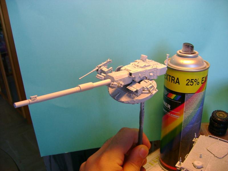 Stryker M1128 MGS ( Montage en cours ) Thunderbird Dsc00589b