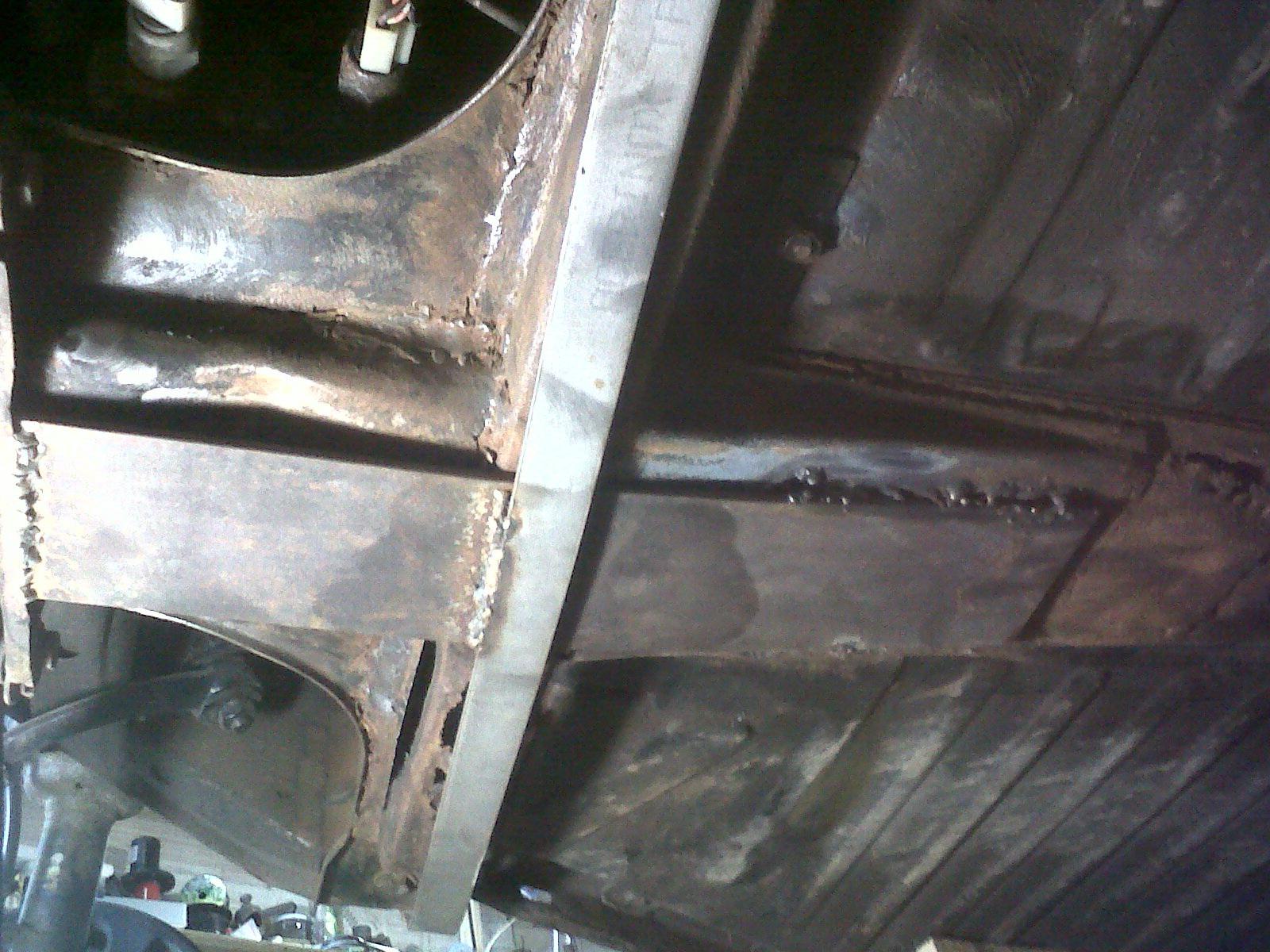 """preciso consejo.  Reparar  chasis """"con"""" o """"sin"""" carroceria... Img00624201111021236"""