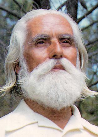 Le Maître OMRAAM MIKHAËL AÏVANHOV Omraammikhalavanhov
