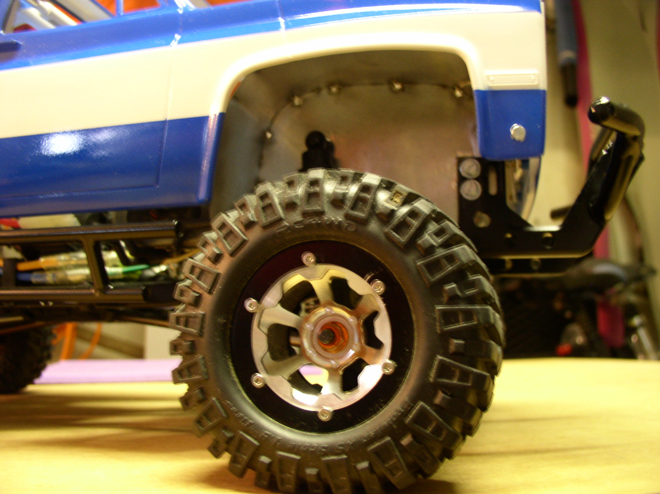 """[ SCX10 Axial ] CHEVROLET K5 Pick-up, benne rallongée.""""TERMINE"""" - Page 2 P1010063v"""