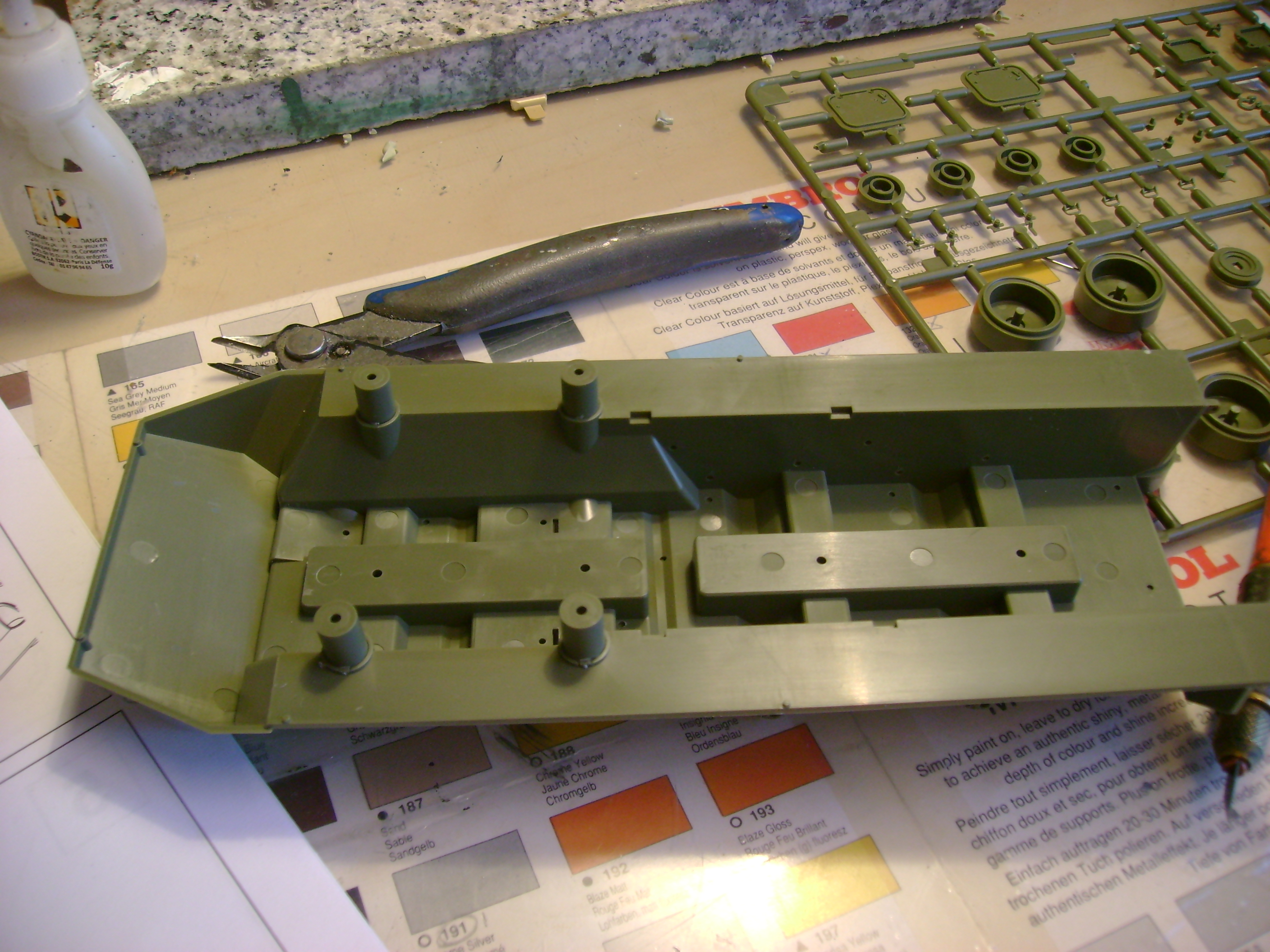 Stryker M1128 MGS ( Montage en cours ) Thunderbird 53721842
