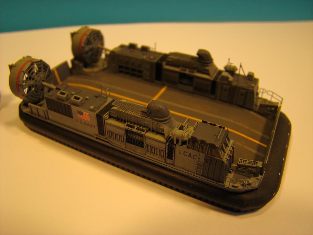 USS WASP LHD-1 au 1/350ème par nova73 - Page 6 Dsc09003y