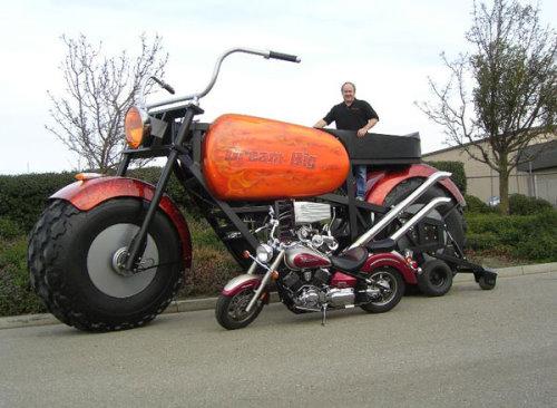 دراجة نارية عملاقة توازي بحجمها حجم الشاحنات Bikej