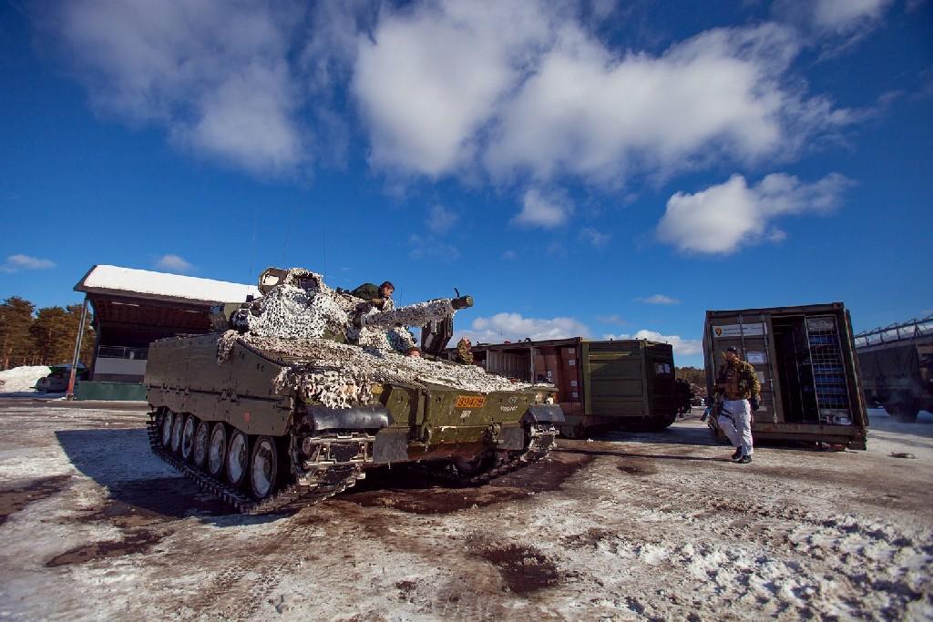 Armée norvegienne/Norwegian Armed Forces - Page 6 89398345873386419940794