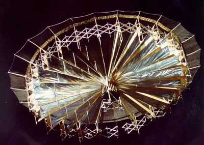 1999: Photographie curieuse prise par le spationaute Jean-Pierre HAIGNERÉ - Page 3 Ukdi