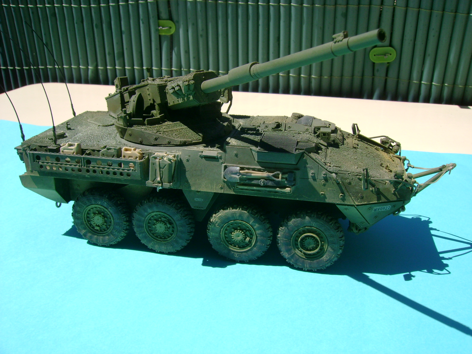 Stryker M1128 MGS ( Montage en cours ) Thunderbird - Page 2 61898006