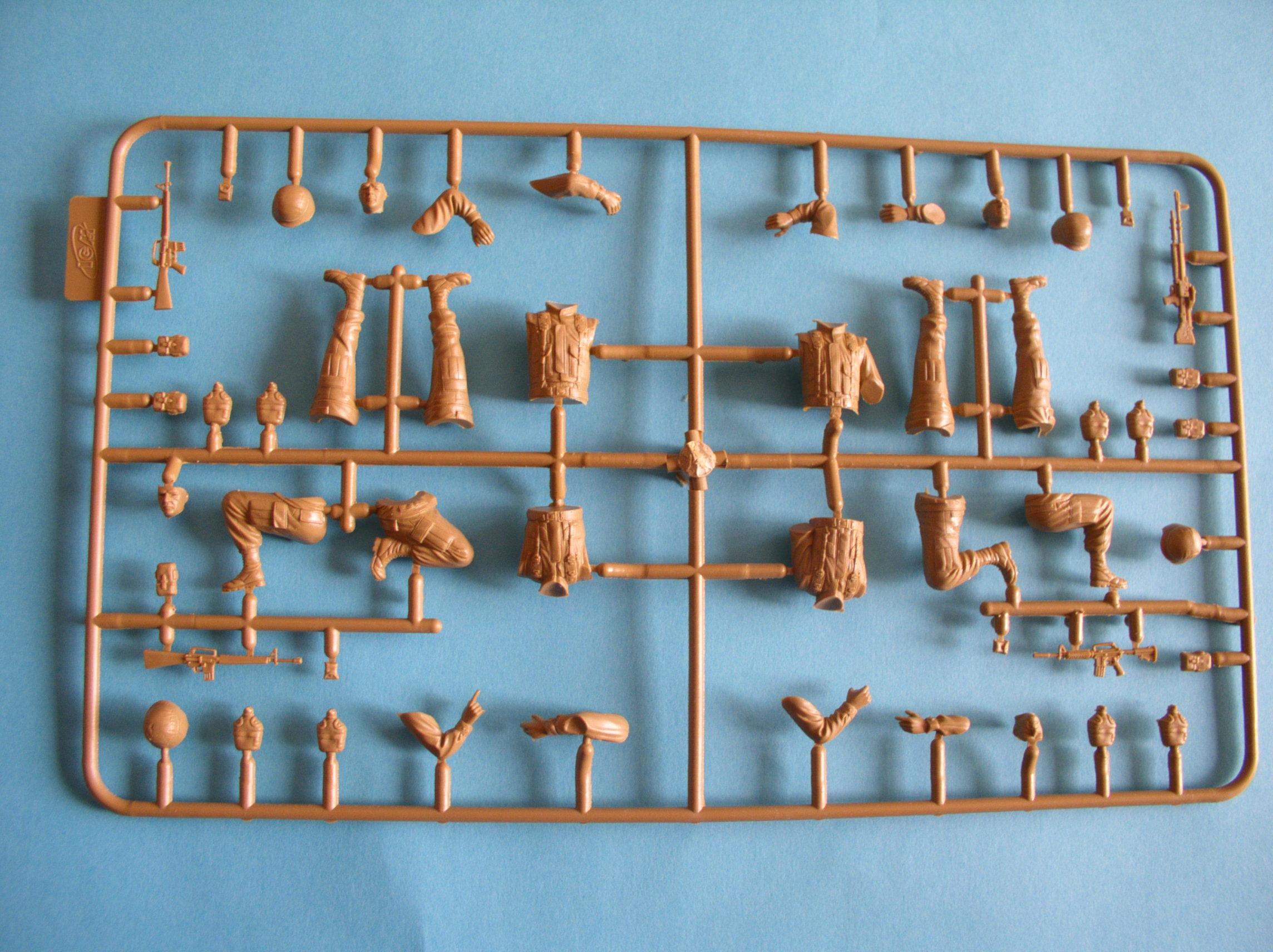 Review Kit US Modern Elite Infantry w/Accessory set 1/35 (Limited edition) 11800384