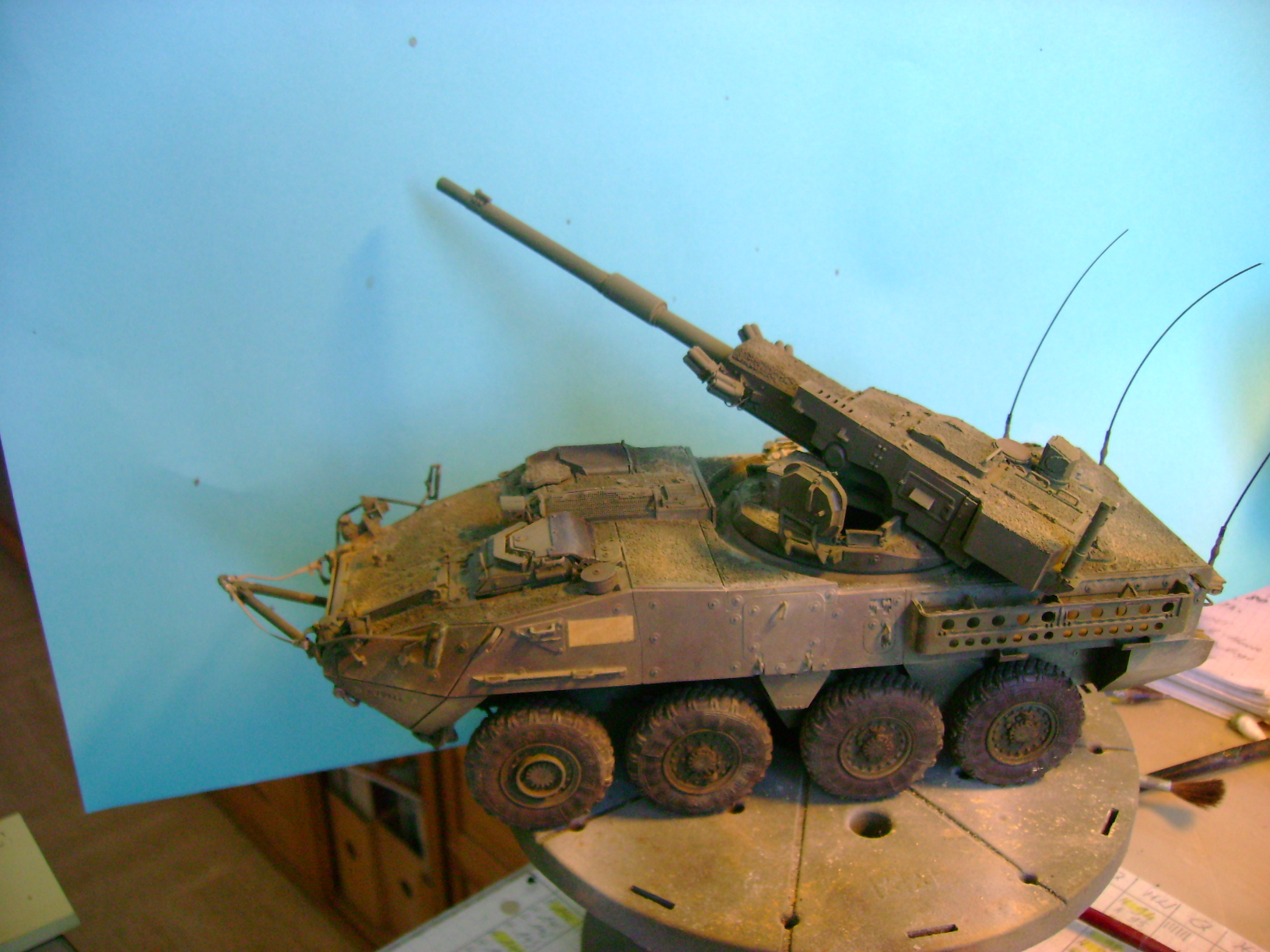 Stryker M1128 MGS ( Montage en cours ) Thunderbird - Page 2 98299121