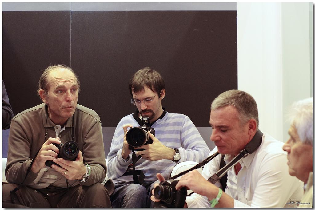 Rencontre du salon de la photo 2010 - Page 3 N23groupevipap00120
