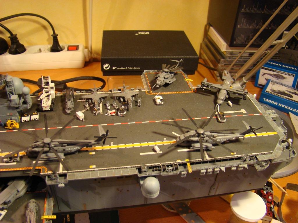 USS WASP LHD-1 au 1/350ème par nova73 - Page 7 Dsc09120tl