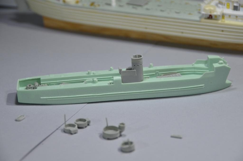 Port Artificiel MULBERRY au 1/350 - Page 2 Jke5