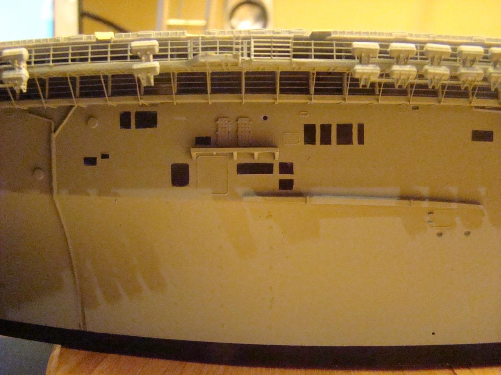 USS WASP LHD-1 au 1/350ème par nova73 - Page 3 Dsc08158ly