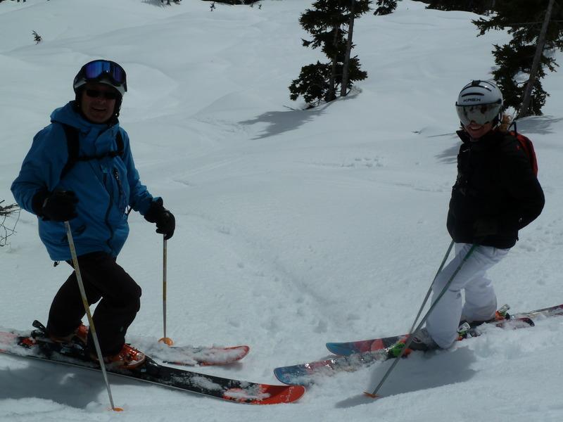 Fin de temporada de esquí en una cabaña perdida en las Rocosas Canadienses 0bm2
