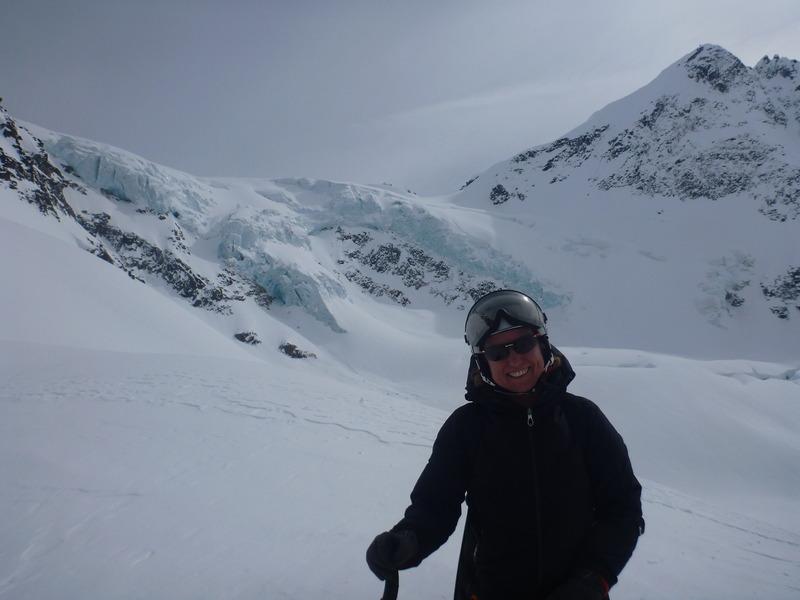 Fin de temporada de esquí en una cabaña perdida en las Rocosas Canadienses 2d4k