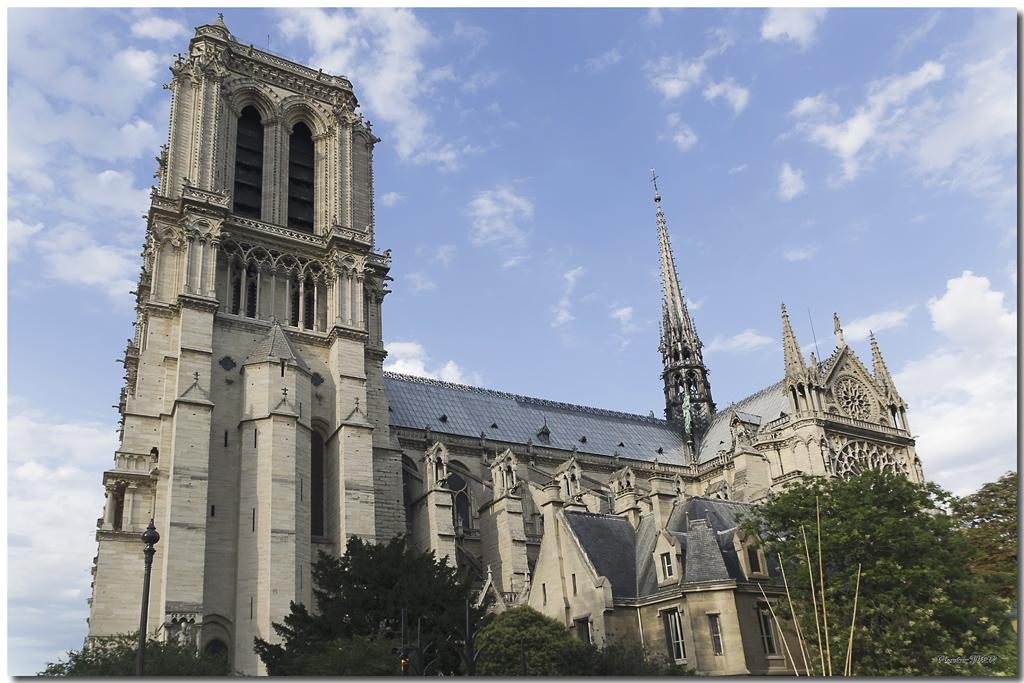 A Paris au mois d'août.  - Page 10 Jp115561024