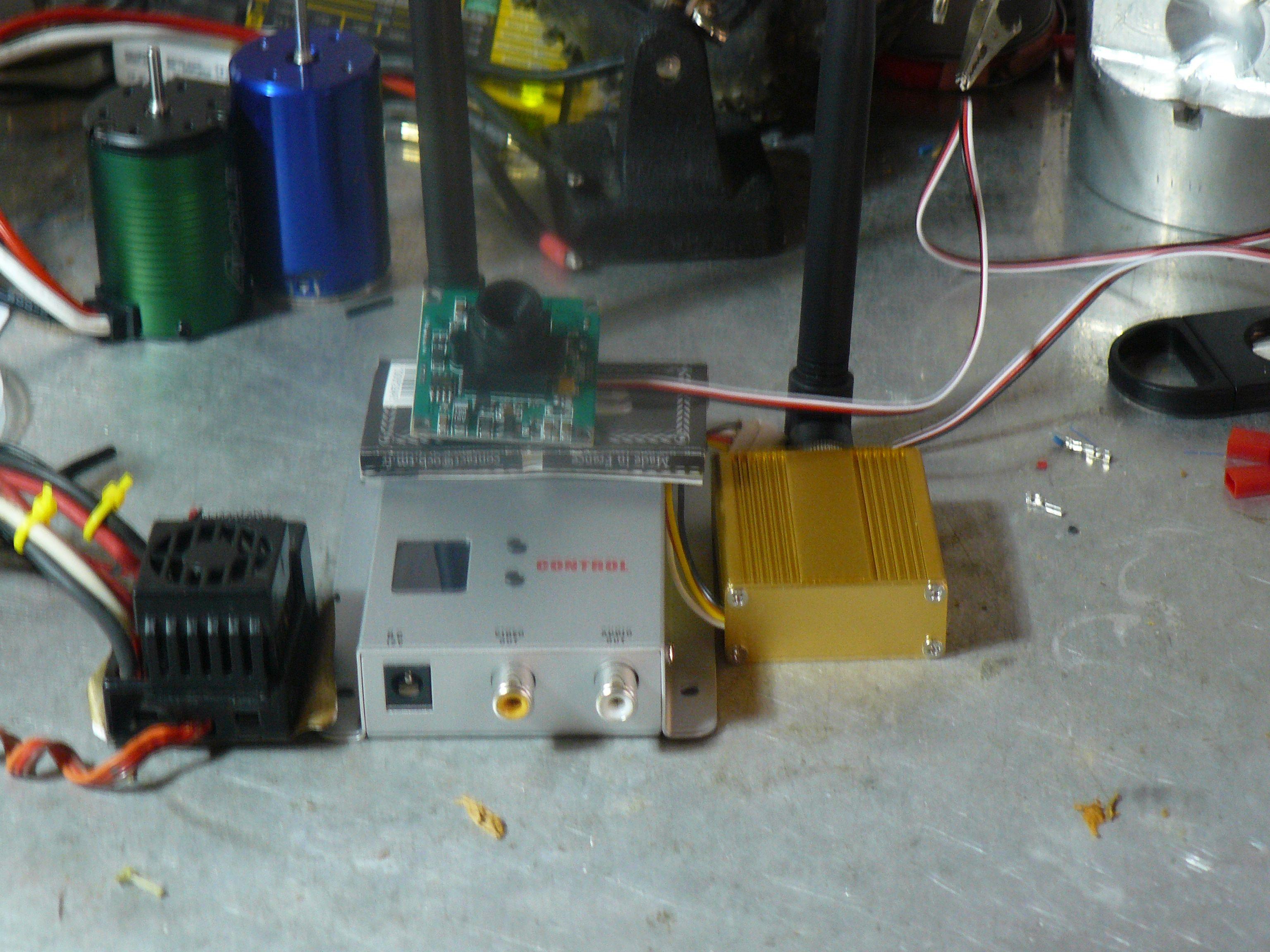 nouveau projet:summit fpv (1ere video test P5) P1020018t