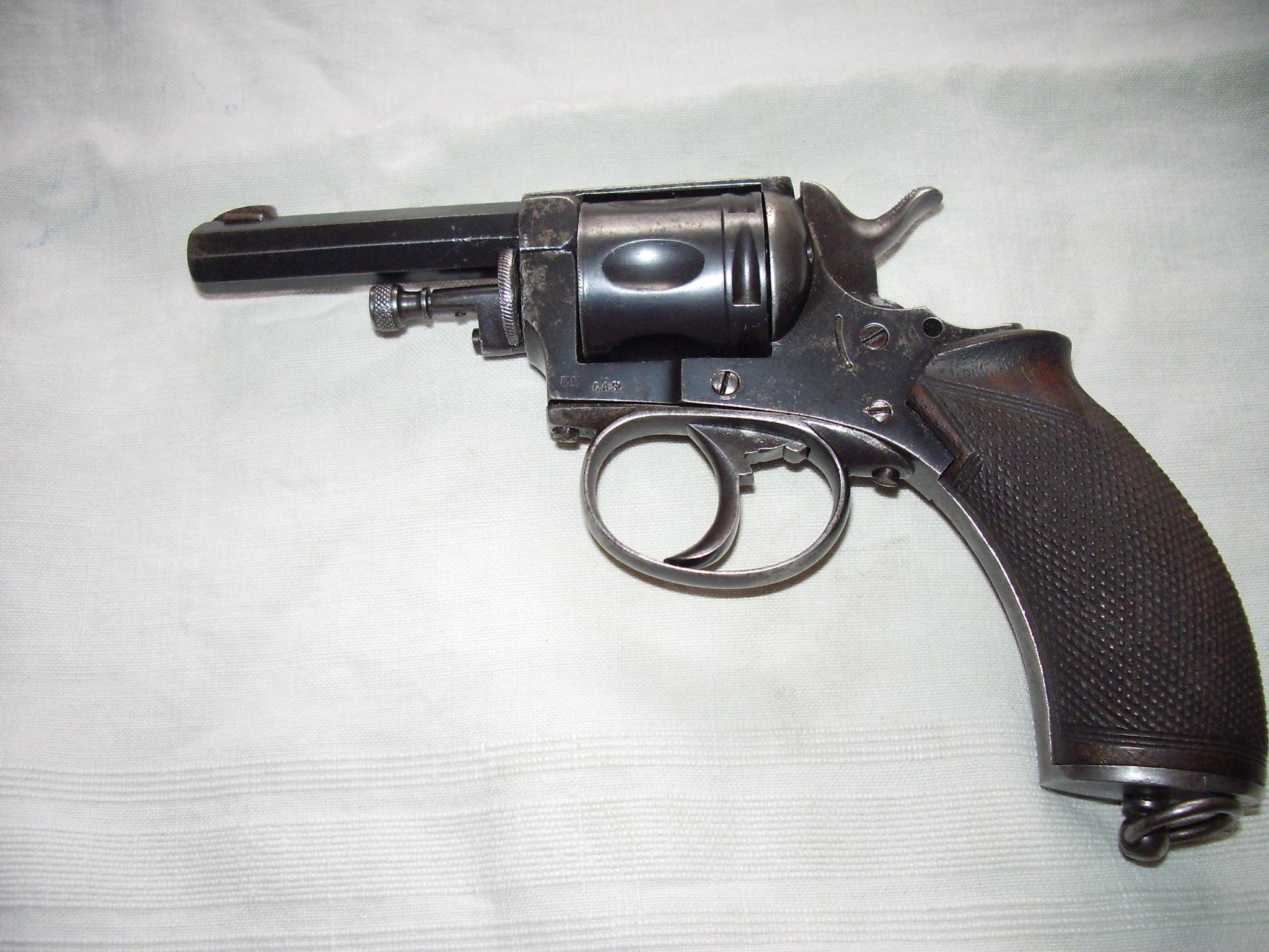 identification d'un revolver à priori d'origine Belge Imgp2805y