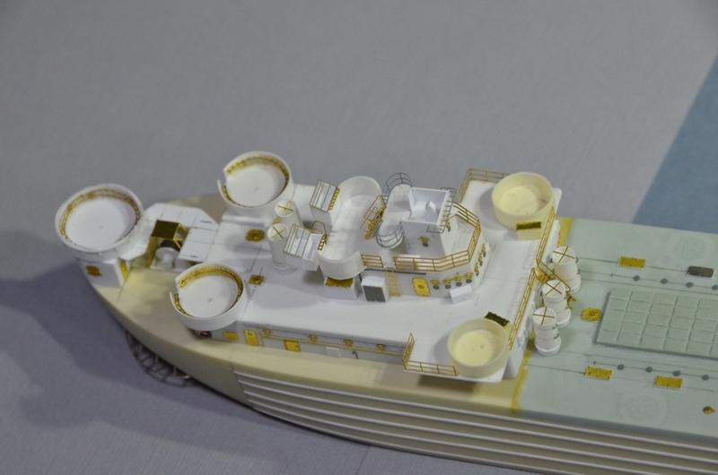 Port Artificiel MULBERRY au 1/350 - Page 2 Dwzm