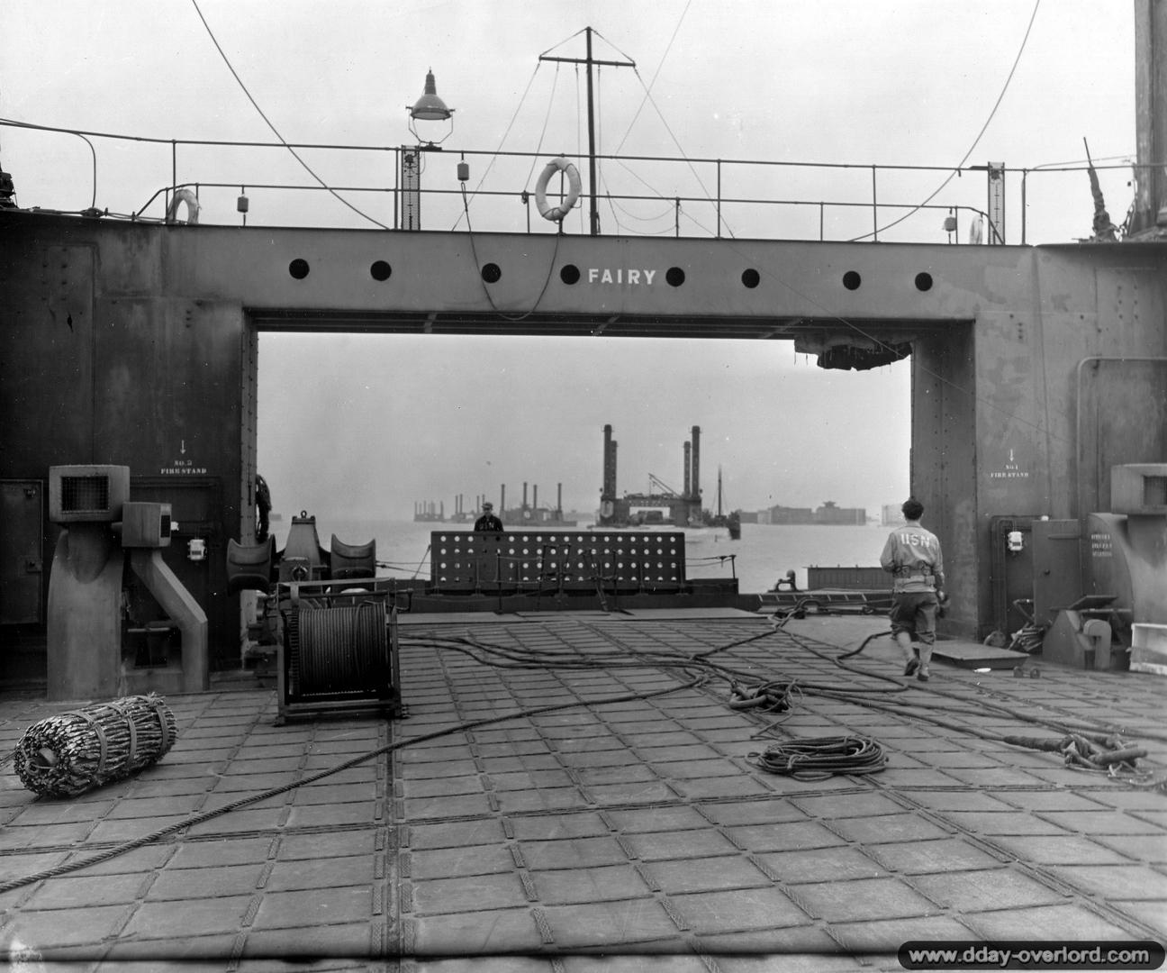 Port Artificiel MULBERRY au 1/350 - Page 4 Rrwg