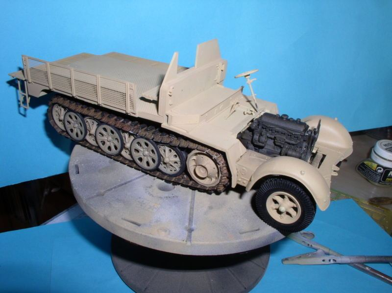 Sd.Kfz.7/1 late version whit Sd.Anhager 52 Trumpeter 1/35( Montage en cours) UP 25/05 - Page 3 47963017