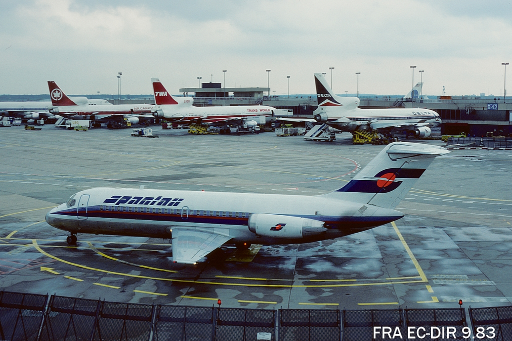 DC-9 in FRA - Page 2 2fraecdir