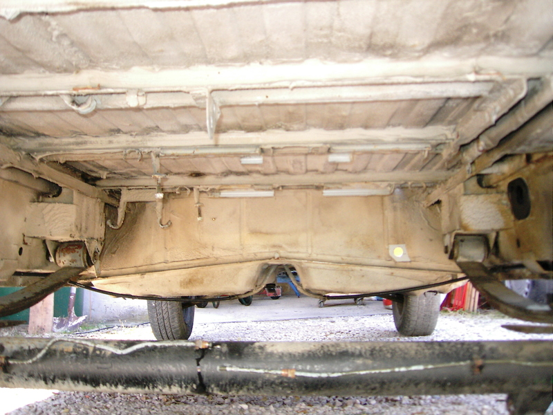mon caddy quattro - Page 3 Dsci0003aj5