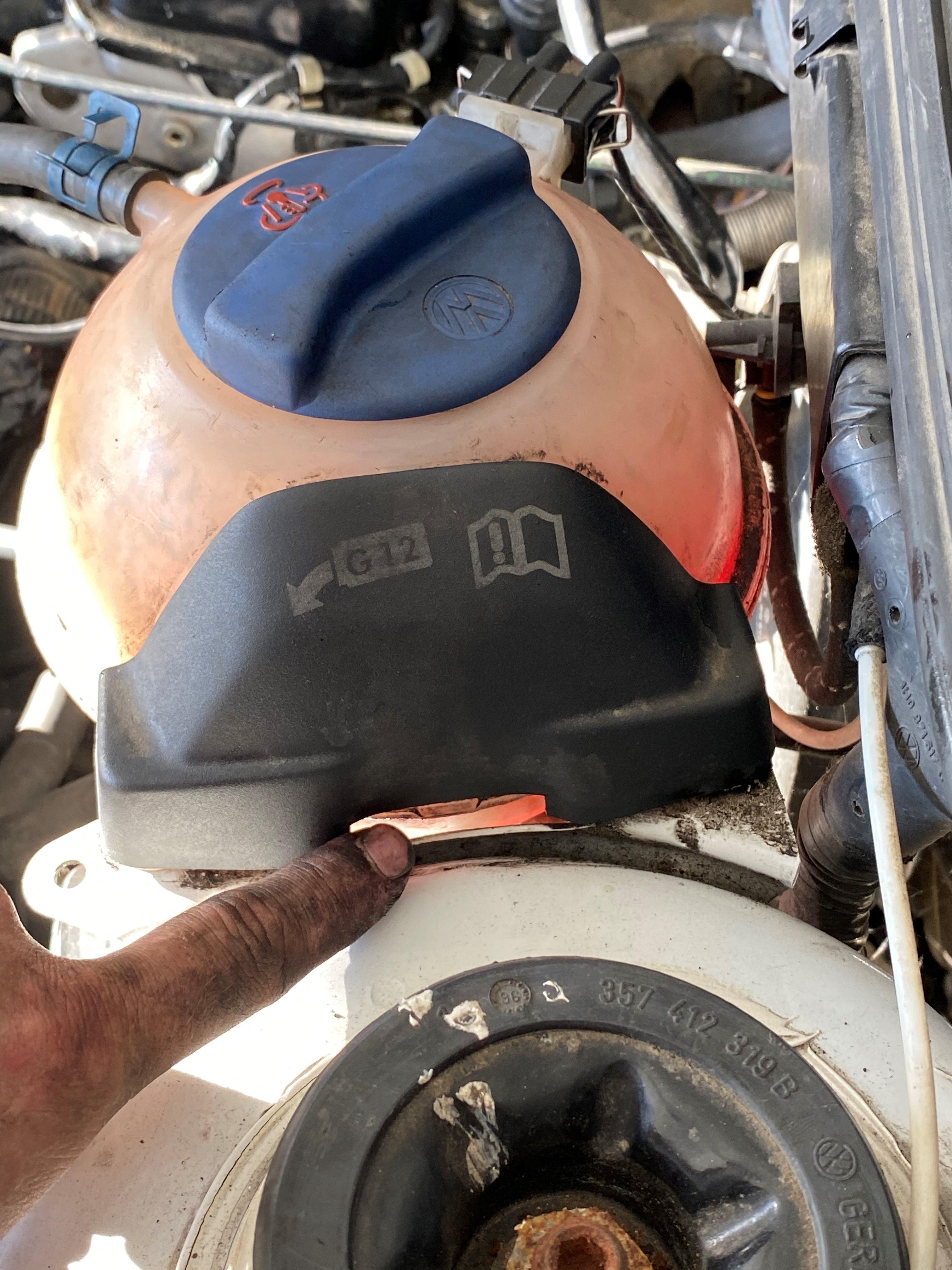 [ Volkswagen Golf III 1.8 90cv an 1996 ] Problème enclenchement ventilateur refroidissement (Résolu) Cs8Ttl